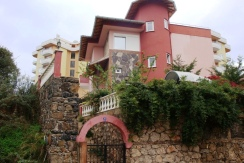 A luxurious villa with a private territory – Alanya