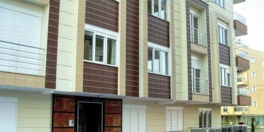 Комплекс расположен в популярном районе Анталии — Коньяалты.