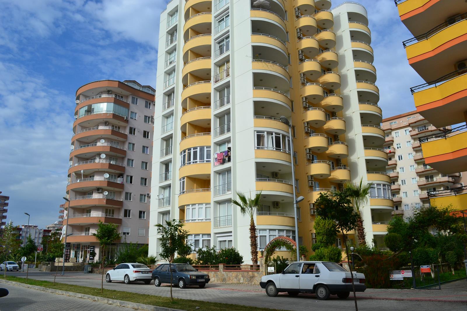 Mahmutlar tatil kasabasının merkezinde 2 + 1 daireler – Mahmutlar